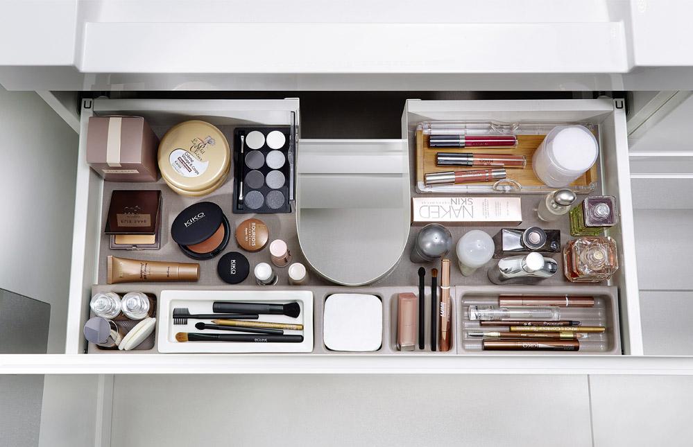 rangement tiroir salle de bain